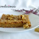 Lebkuchenblondies mit Karamell-Walnüssen – gingerbread blondies with caramel walnuts
