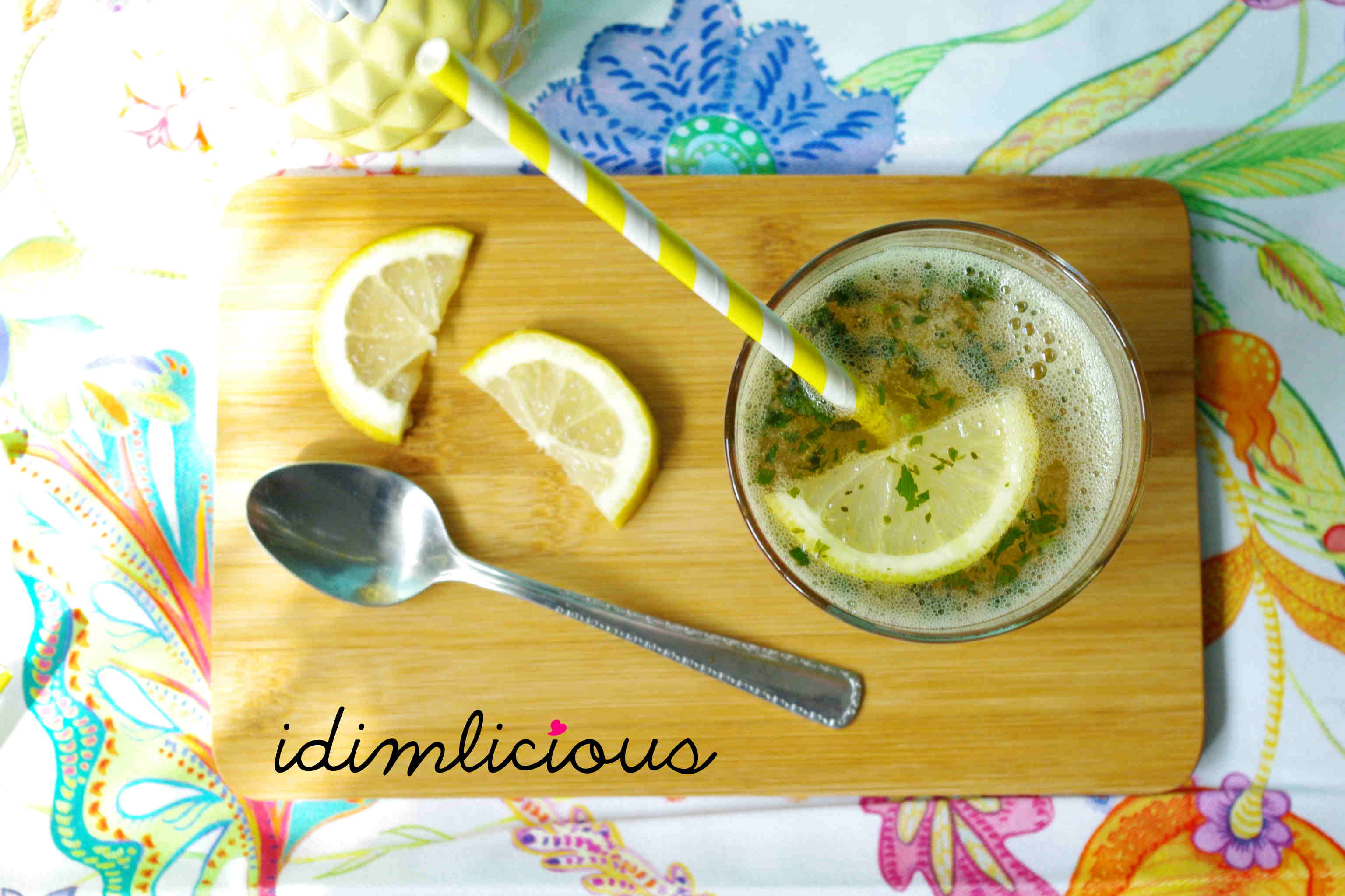 Sommerliche Minzlimonade – summery mint lemonade