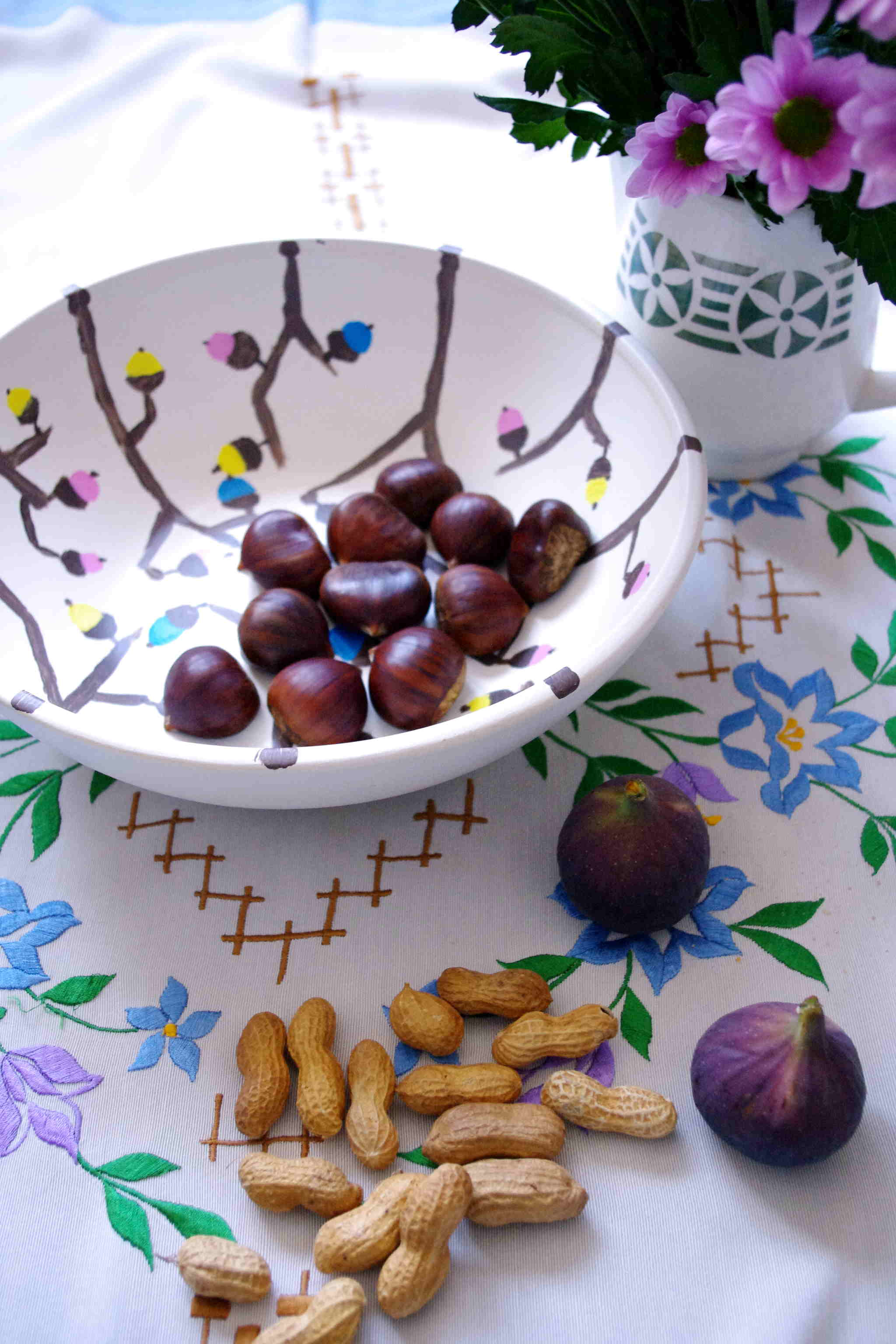 Herbstdeko mit Eicheln in Farbe – fall decoration with acorns in color