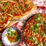 Indisch angehauchte Pizza mit Kichererbsen - Indian inspired pizza with chickpeas