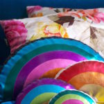 Wie man ein Regenbogenkissen aus Folienjersey näht - how to sew a rainbow cushion with foil jersey